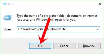 Nhập lệnh C:\Windows\System32\Drivers\etc vào khung Open rồi nhấn nút OK
