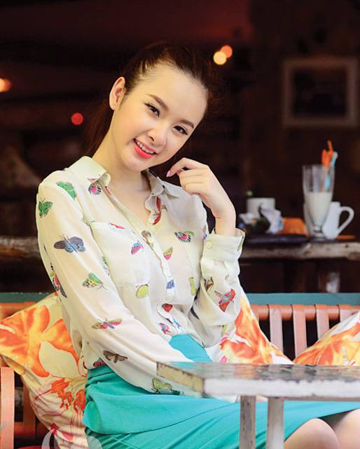 angela-phuong-trinh-2013