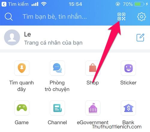 Mở ứng dụng Zalo trên điện thoại, nhấn nút Thêm góc dưới cùng bên phải, sau đó nhấn nút Quét mã QR bên cạnh nút cài đặt (hình răng cưa)