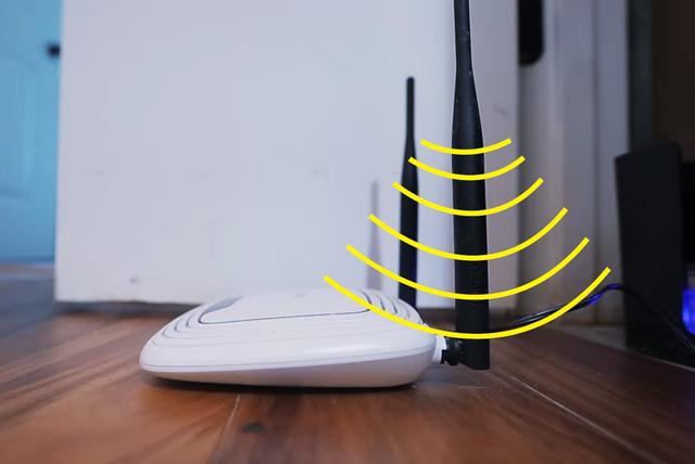 Không đặt Router trên nền nhà