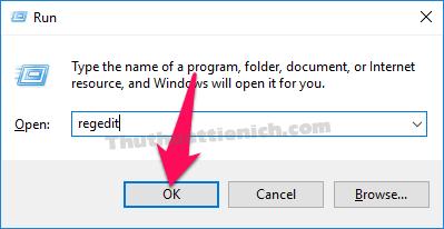 Nhấn tổ hợp phím Windows + R sau đó nhập lệnh regedit vào khung Open sau đó nhấn nút OK