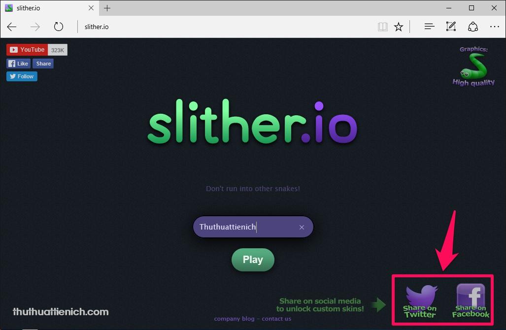 Tại trang chủ của game, nhấn nút Share on Twitter hoặc Share on Facebook theo ý bạn.