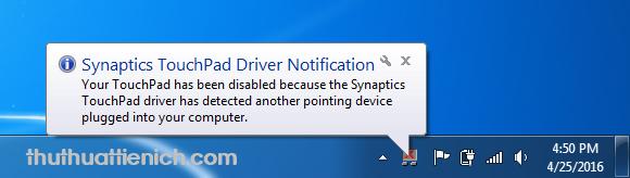 Và mỗi khi bạn cắm chuột, Touchpad sẽ tự động tắt kèm theo thông báo như hình