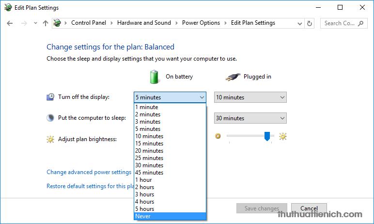 Nhấn vào khung thời gian trong phần On battery để chọn thời gian mà laptop sẽ tự động tắt màn hình khi dùng Pin