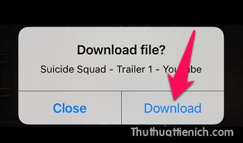 Mở video bạn muốn tải về iPhone/iPad. Lúc này sẽ xuất hiện cửa sổ thông báo Download file? Bạn nhấn nút Download