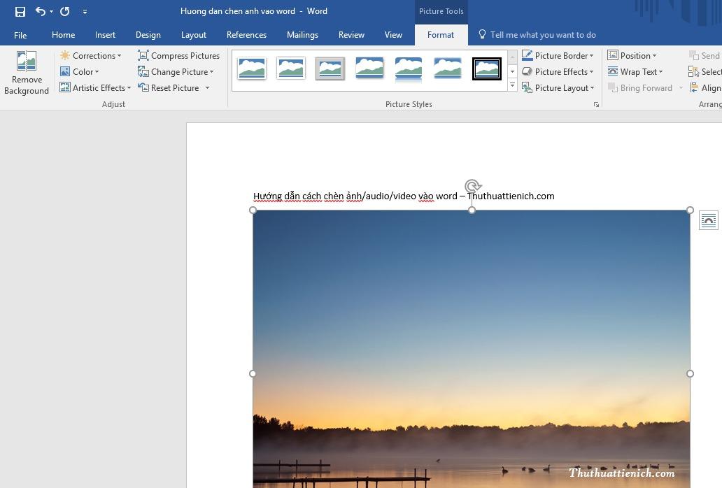 Sau khi chèn ảnh vào Word, bạn có thể chỉnh sửa ảnh bằng công cụ của Word