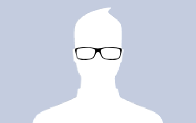 Ảnh đại diện Facebook đeo kính cận