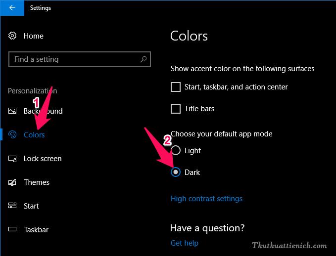 Chọn Color trong menu bên trái, sau đó nhìn sang bên phải tích vào phần Dark