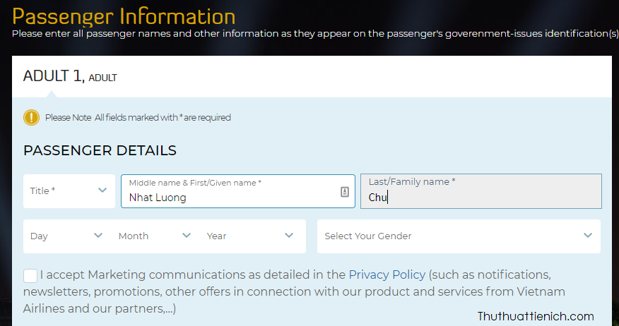 Khi đặt vé Vietnamairlines bằng giao diện tiếng Anh, bạn sẽ thấy phần thông tin khách bay bao gồm các thông tin như Middle name & First/Given name và Last/Family name