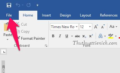 Tại cửa sổ Word, bạn nhấn chọn File trên menu