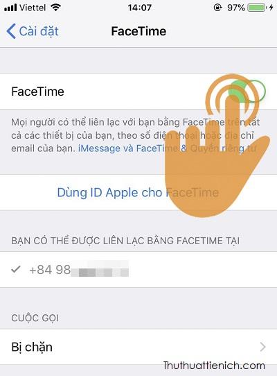 Gạt công tắc trong phần Facetime sang bên phải (màu xanh). Vậy là bạn đã bật Facetime thành công rồi đó
