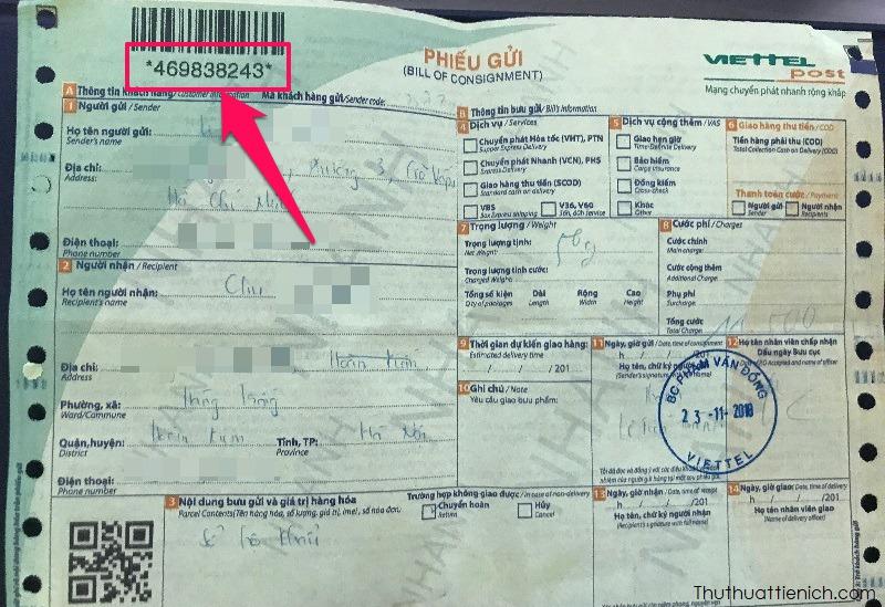 Lấy mã phiếu gửi. Mã phiếu gửi thường nằm ở vị trí trên cùng bên trái tờ phiếu gửi bên dưới mã vạch