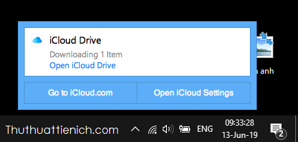 Mở nhanh thư mục đồng bộ iCloud bằng cách nhấn vào biểu tượng của iCloud dưới thanh taskbar chọn Open iCloud Drive