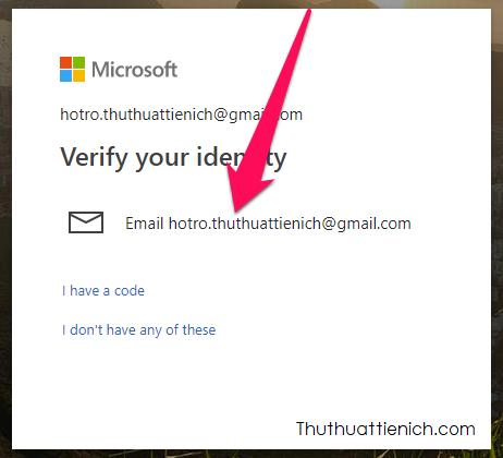 Chọn các nhận mã xác minh, bạn có thể nhận mã xác minh qua email hoặc số điện thoại