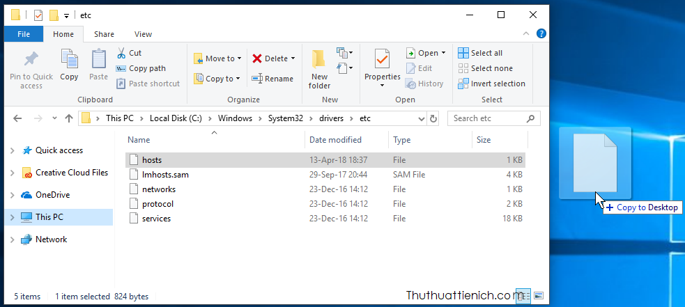 Bạn kéo file hosts ra ngoài màn hình Desktop, sửa rồi lưu lại ngoài đó. Sau đó kéo file hosts về lại vị trí cũ