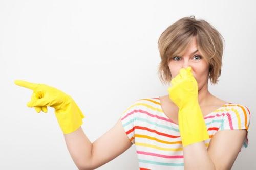 Tắc nghẽn cống gây ra mùi hôi khó chịu đối với mọi người